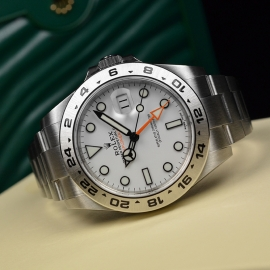 RO21165S_Rolex_Explorer_II_Orange_Hand_Close10.JPG