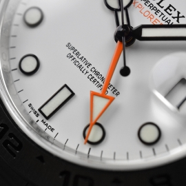 RO21165S_Rolex_Explorer_II_Orange_Hand_Close6.JPG