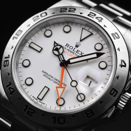 RO21165S_Rolex_Explorer_II_Orange_Hand_Close2_2.JPG