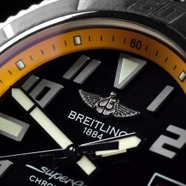 BR21568S Breitling SuperOcean 42 Close4