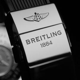BR21568S Breitling SuperOcean 42 Close8