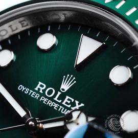 RO21730S Rolex Submariner Date Green Bezel Close3 1