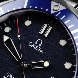 OM21861S Omega Seamaster '007 40th Anniversary Edition' Close3 1