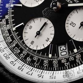 BR22111S Breitling Navitimer Chronograph Close4