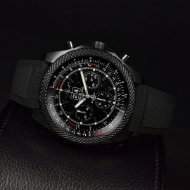 1871P Breitling Bentley 6.75 Midnight Carbon Limited Edition Close9