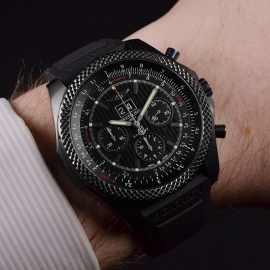 1871P Breitling Bentley 6.75 Midnight Carbon Limited Edition Wrist