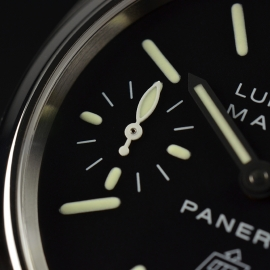 19043S Panerai Luminor Marina Logo Close4