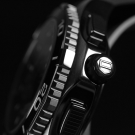 19975S_Tag_Heuer_Aquaracer_Calibre_72_Close2_1.jpg