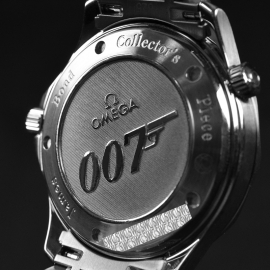 20572S_Omega_Seamaster_Professional_James_Bond_007_Collectors_Piece_Close12_2.jpg