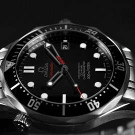 20572S_Omega_Seamaster_Professional_James_Bond_007_Collectors_Piece_Close3_2.jpg