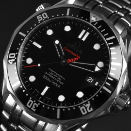 20572S_Omega_Seamaster_Professional_James_Bond_007_Collectors_Piece_Close8_2.jpg