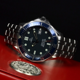 21421S_Omega_Seamaster_Professional_Quartz_Close10.jpg