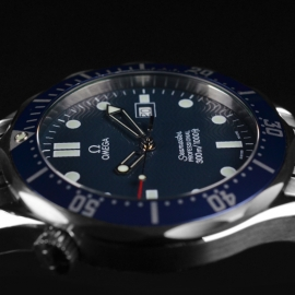 21421S_Omega_Seamaster_Professional_Quartz_Close4.jpg