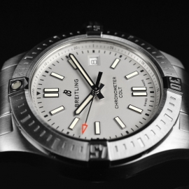 21494S Breitling Colt 41 Close4
