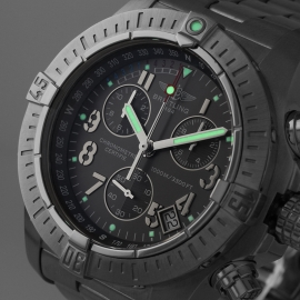 21520S Breitling Avenger Seawolf Chrono Close1