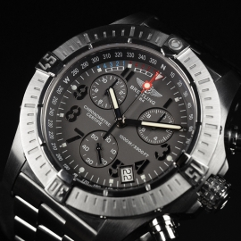 21520S Breitling Avenger Seawolf Chrono Close3