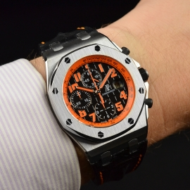 AP20987S_Audemars_Piguet_Royal_Oak_Offshore_Wrist.JPG