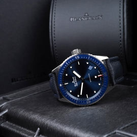 BL21450S Blancpain Fifty Fathoms Bathyscaphe Close10