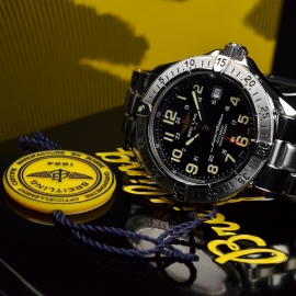 BR20718S_Breitling_Superocean_Close10.JPG