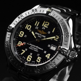 BR20718S_Breitling_Superocean_Close1_1.JPG