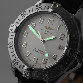 BR21314S_Breitling_Colt_Automatic_Close1.jpg
