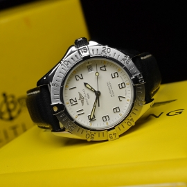 BR21314S_Breitling_Colt_Automatic_Close10.JPG