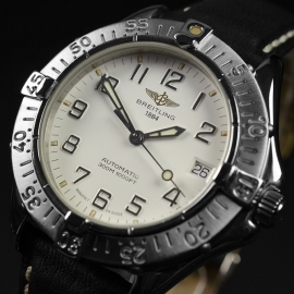 BR21314S_Breitling_Colt_Automatic_Close2_2.JPG