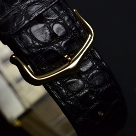 CA20792S_Cartier_Tank_Solo_18k_Yellow_Gold_Close3.JPG