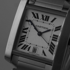 CA20889S_Cartier_Tank_Francaise_Large_Size_Close1.jpg