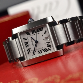 CA20889S_Cartier_Tank_Francaise_Large_Size_Close10.JPG