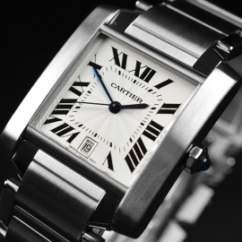 CA20889S_Cartier_Tank_Francaise_Large_Size_Close2.JPG