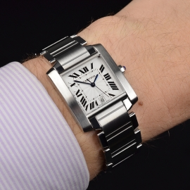 CA20889S_Cartier_Tank_Francaise_Large_Size_Wrist.JPG