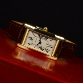 Cartier Tank Americaine 18ct Close10