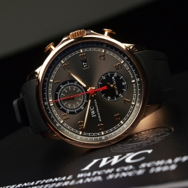 IW1859P_IWC_Portugieser_Yacht_Club_Close10_1.JPG