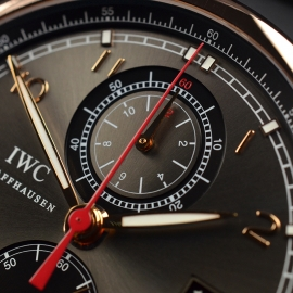 IW1859P_IWC_Portugieser_Yacht_Club_Close5_1.JPG