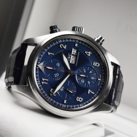 IW20694S_IWC_Pilots_Spitfire_Chrono_Laureus_Close10_1.JPG