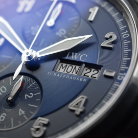 IW20694S_IWC_Pilots_Spitfire_Chrono_Laureus_Close7_1.JPG