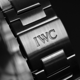IW20846S IWC Ingenieur Chronograph Close6