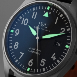 IW21223S_IWC_Pilots_Watch_Mark_XVIII_Close1.jpg