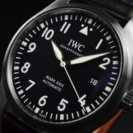 IW21223S_IWC_Pilots_Watch_Mark_XVIII_Close2.JPG