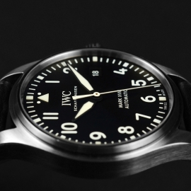 IW21223S_IWC_Pilots_Watch_Mark_XVIII_Close8.JPG