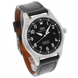 IW21223S_IWC_Pilots_Watch_Mark_XVIII_Dial.jpg