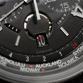 JA20461S_Jaeger_LeCoultre_AMVOX5_Cermet_World_Chrono_Aston_Martin_Close6_1.JPG