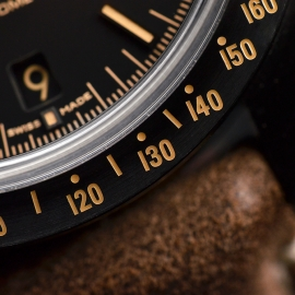OM20456S_Omega_Speedmaster_Dark_Side_of_the_Moon_Vintage_Black_Close15.JPG