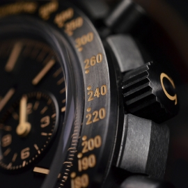 OM20456S_Omega_Speedmaster_Dark_Side_of_the_Moon_Vintage_Black_Close16.JPG