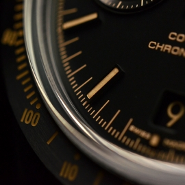 OM20456S_Omega_Speedmaster_Dark_Side_of_the_Moon_Vintage_Black_Close20.JPG
