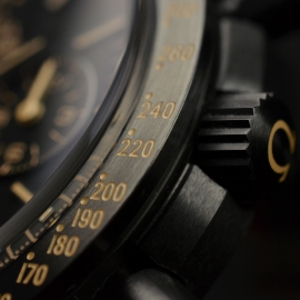 OM20456S_Omega_Speedmaster_Dark_Side_of_the_Moon_Vintage_Black_Close22.JPG
