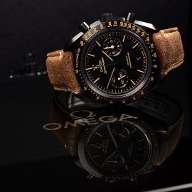 OM20456S_Omega_Speedmaster_Dark_Side_of_the_Moon_Vintage_Black_Close25.JPG