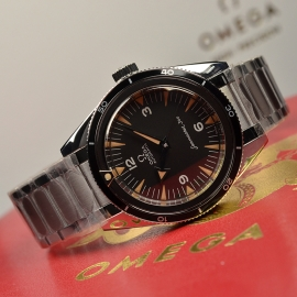 OM21091S Omega Seamaster 60th Anniversary 300 Co-Axial Master Close10
