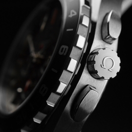 OM21151S_Omega_Seamaster_Aqua_Terra_Co_Axial_GMT_Chronograph_Close3.JPG